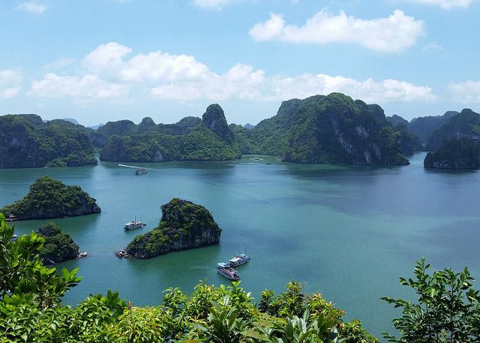 ベトナム観光のハロン湾