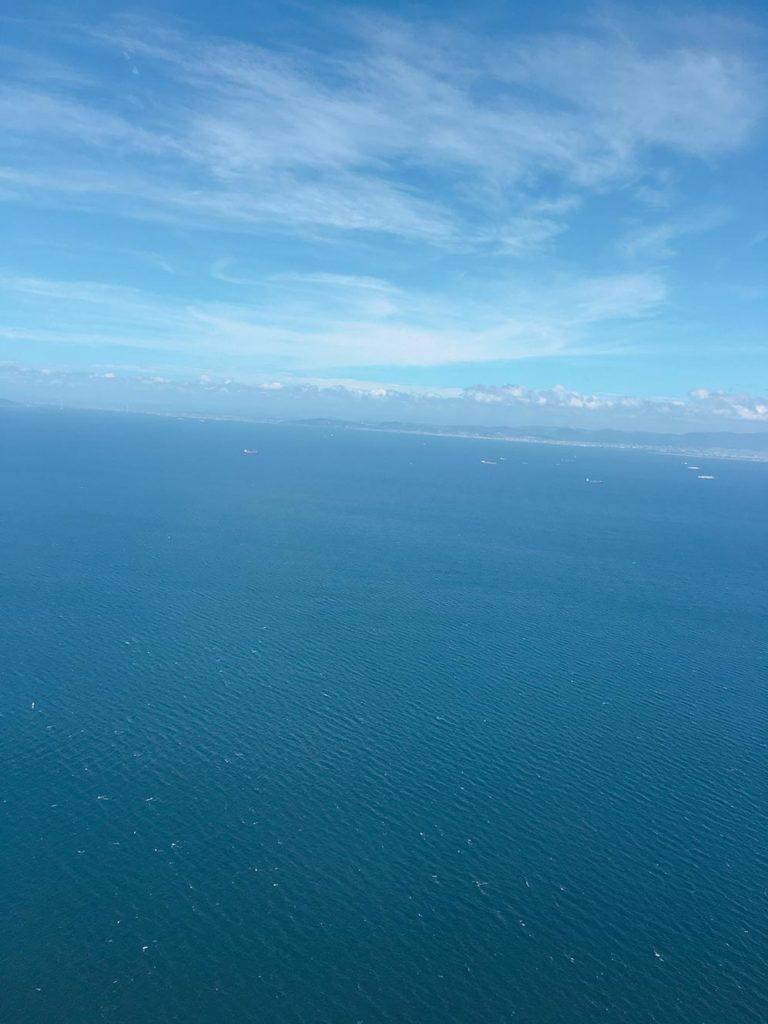 ベットジェットエアから見える海の画像